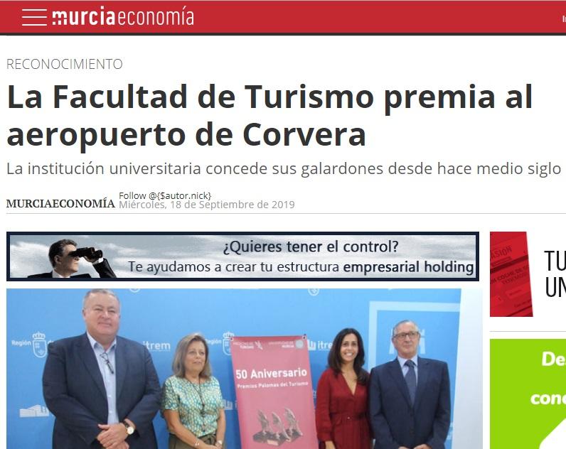 La Facultad de Turismo premia al aeropuerto de Corvera